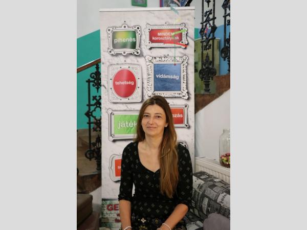 SzaSzi interjúja Tóth Laurával az Új Kisfaludy Napról