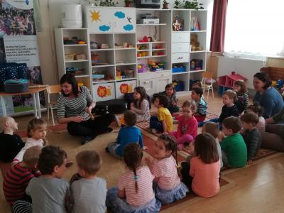 Napraforgó Óvoda Töltéstava zenés-mesés foglalkozás 2018.03.05.