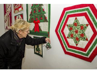 Nyugdíjas éveim termései: Urai Antalné patchwork (foltvarrás) munkáinak önálló kiállítása